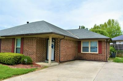 1604 NORWOOD CIR, Lexington, KY 40515 - Photo 1
