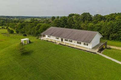 100 COUNTRYSIDE CT, Mt Sterling, KY 40353 - Photo 2