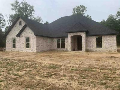 184 LITTLE HICKORY DR, Gladewater, TX 75647 - Photo 1