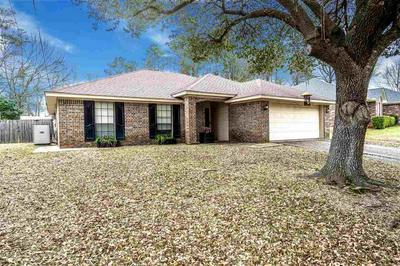 4504 MEMORIAL DR, MARSHALL, TX 75672 - Photo 1