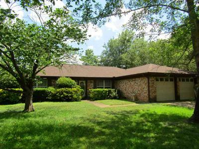 1206 LEACH ST, Kilgore, TX 75662 - Photo 2