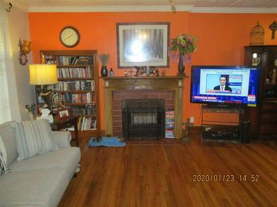 524 WOODLAWN ST, HENDERSON, TX 75652 - Photo 2