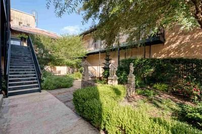 213 N BOLIVAR ST, Marshall, TX 75670 - Photo 2