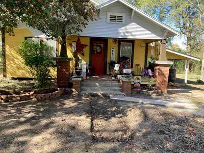 184 S CHALK ST, Joaquin, TX 75954 - Photo 1