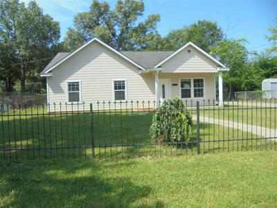 710 MONTGOMERY ST, Kilgore, TX 75662 - Photo 1