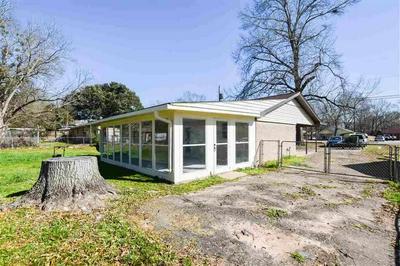 2342 JACKSONVILLE DR, HENDERSON, TX 75654 - Photo 2