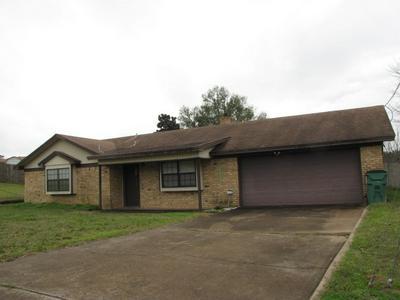 1703 ELM ST, HENDERSON, TX 75652 - Photo 1