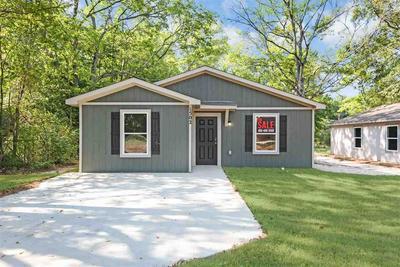 1502 JORDAN ST, Longview, TX 75602 - Photo 1