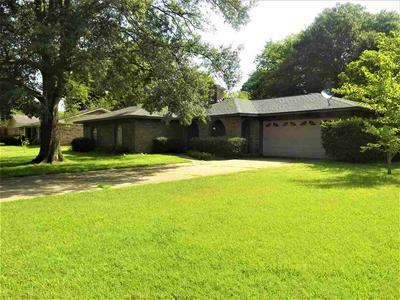 1607 S WILLIAMS AVE, Mt. Pleasant, TX 75455 - Photo 1