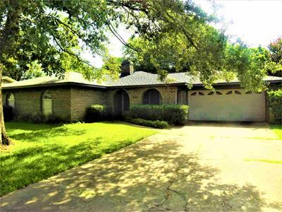 1607 S WILLIAMS AVE, Mt. Pleasant, TX 75455 - Photo 2