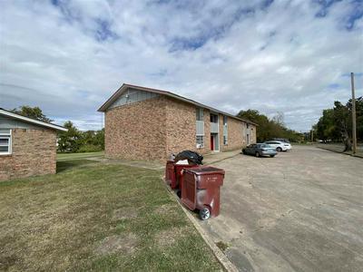 800 W WASHINGTON ST UNIT 6, Clarksville, TX 75426 - Photo 2