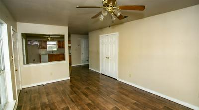 602 E HOUSTON ST, Marshall, TX 75670 - Photo 2