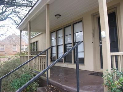 309 SLAYDON ST, HENDERSON, TX 75654 - Photo 2