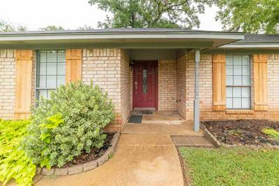 195 LYNDALL ST, Gladewater, TX 75647 - Photo 2