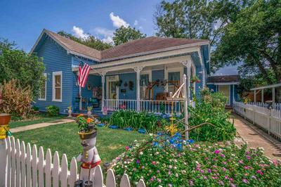 210 E HENDERSON ST, Jefferson, TX 75657 - Photo 1
