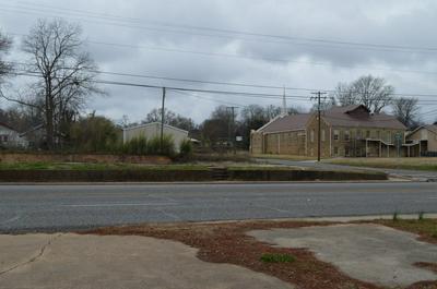 700 E GRAND AVE, Marshall, TX 75670 - Photo 2