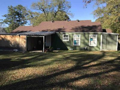 806 E MELTON ST, Longview, TX 75602 - Photo 2