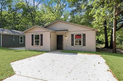 1500 JORDAN ST, Longview, TX 75602 - Photo 2
