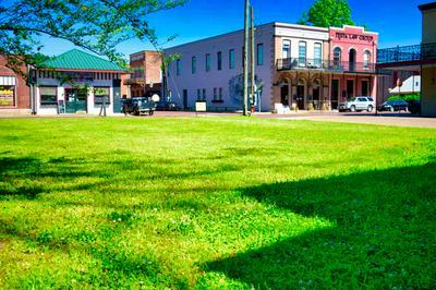 200 W AUSTIN ST, Jefferson, TX 75657 - Photo 2