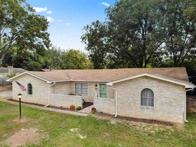 2206 W GAY AVE, Gladewater, TX 75647 - Photo 2