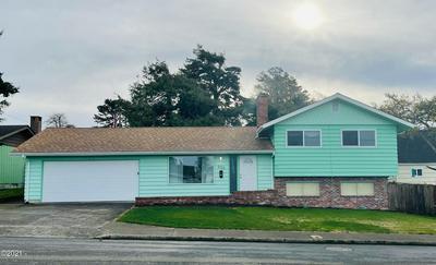 230 NE 4TH ST, Newport, OR 97365 - Photo 2