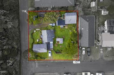 737 SW GOVERNMENT ST, Newport, OR 97365 - Photo 1
