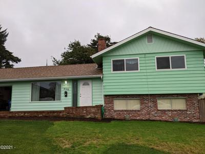 230 NE 4TH ST, Newport, OR 97365 - Photo 1