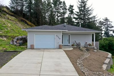 2726 NW SEAFARER CT, Waldport, OR 97394 - Photo 2