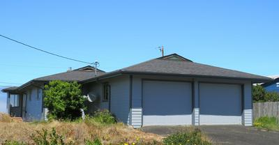 650 NW 9TH ST, Newport, OR 97365 - Photo 2