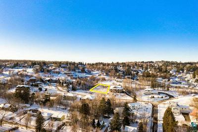 2611 W 16TH ST, Duluth, MN 55806 - Photo 1