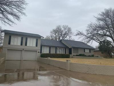 607 KIRCHWOOD ST, PLAINVIEW, TX 79072 - Photo 1