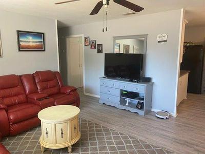 404 SW 12TH ST, Seminole, TX 79360 - Photo 2