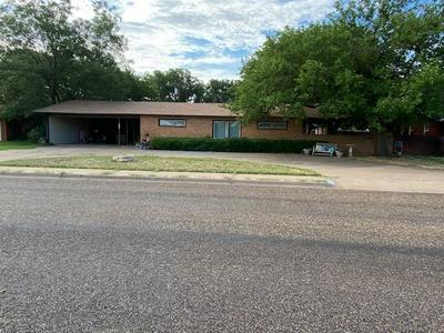 1616 E CARDWELL ST, Brownfield, TX 79316 - Photo 1