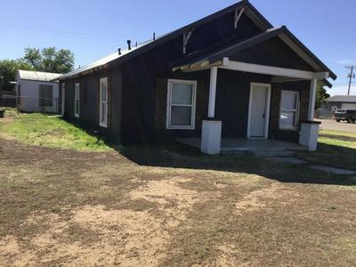 611 AVENUE L, Shallowater, TX 79363 - Photo 2