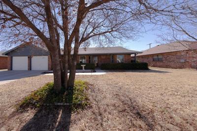 1421 OXFORD ST, SLATON, TX 79364 - Photo 1
