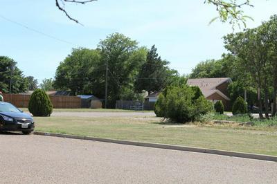 301 AVENUE L, Abernathy, TX 79311 - Photo 1