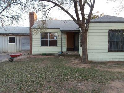 955 W HOCKLEY ST, Slaton, TX 79364 - Photo 1