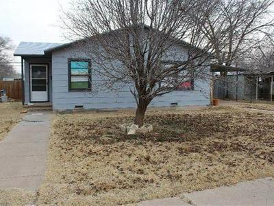 211 HICKS PL, Levelland, TX 79336 - Photo 1