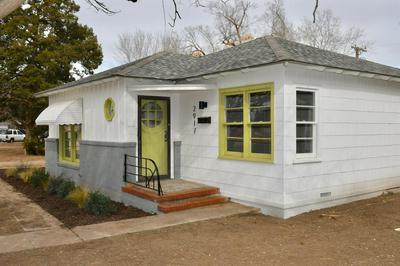 2917 CANTON AVE, Lubbock, TX 79410 - Photo 2