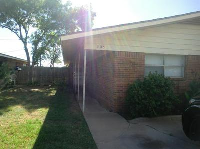 524 PLAZA DR, Slaton, TX 79364 - Photo 2
