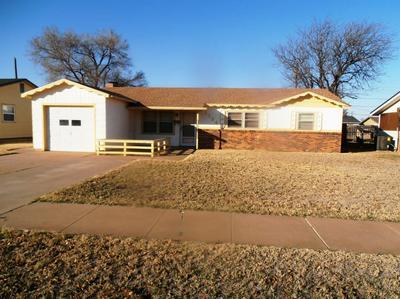 1104 W 29TH ST, Plainview, TX 79072 - Photo 1