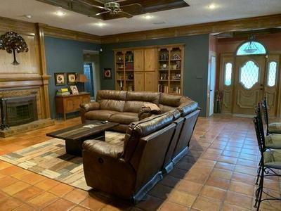 9401 MIAMI AVE, Lubbock, TX 79423 - Photo 2