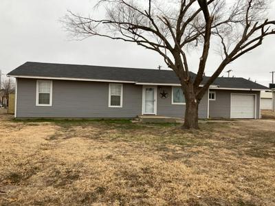 421 W LEE ST, Floydada, TX 79235 - Photo 1