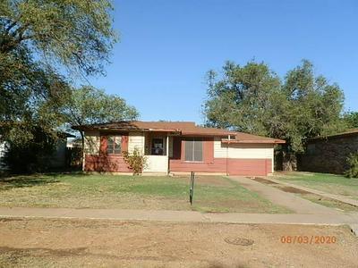 309 JUANITA ST, Plainview, TX 79072 - Photo 1