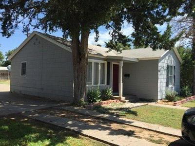 3110 29TH ST, Lubbock, TX 79410 - Photo 2