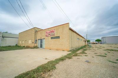 130 E LYNN ST, Slaton, TX 79364 - Photo 2