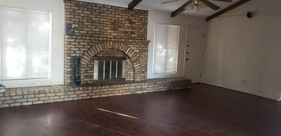 8428 FREMONT AVE, Lubbock, TX 79423 - Photo 2