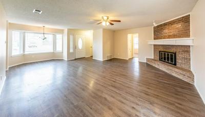5424 96TH ST, Lubbock, TX 79424 - Photo 2