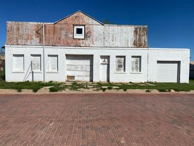 114 S AVENUE I, POST, TX 79356 - Photo 2