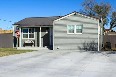 608 SW AVENUE D, Seminole, TX 79360 - Photo 2